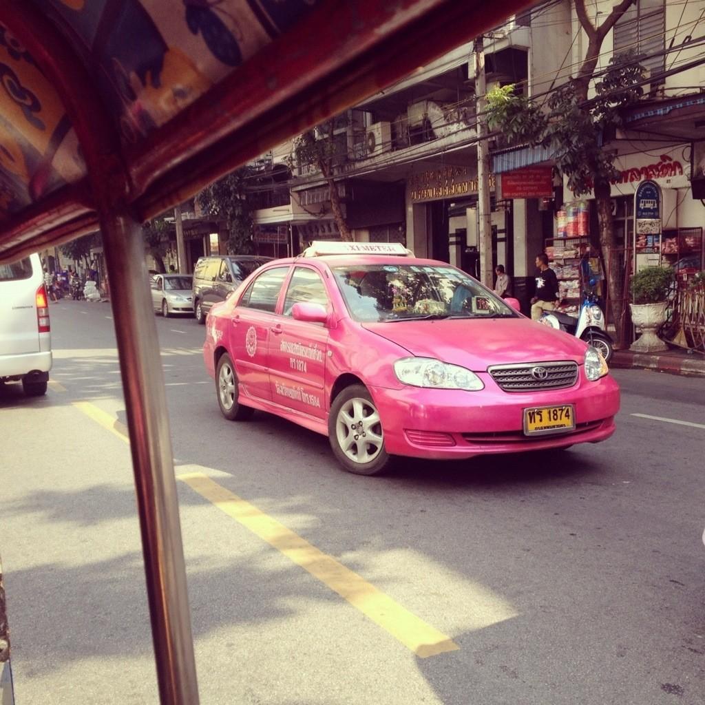 The ecletic, cosmopolitan and contrasting Bangkok