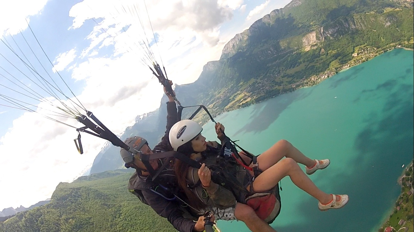 Paragliding baptism in the lake of Annecy