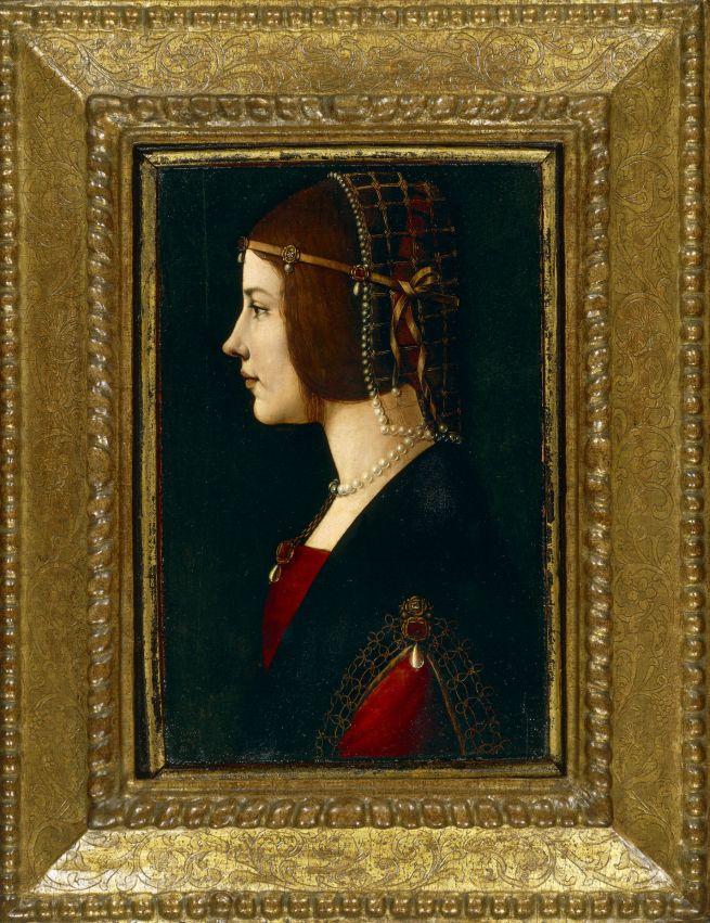 Dama con la rettina di perle
