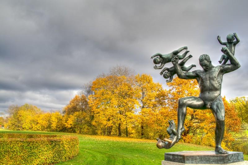 Crazy-baby-statue-in-Oslo-Vigeland-Park