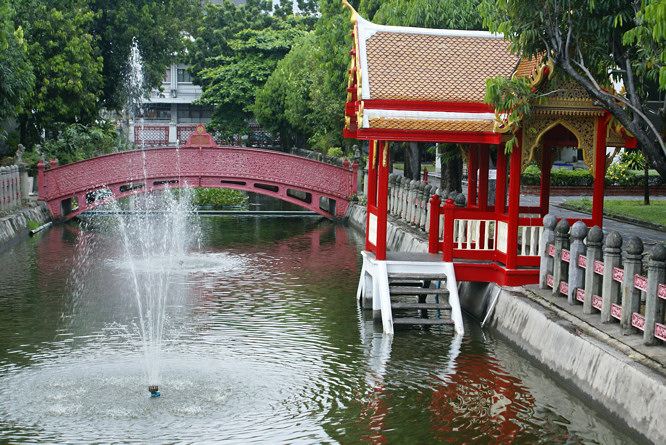 Wat-Benchamabophit-bridge
