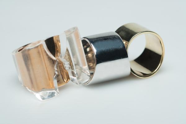 Kissing ring of Marta Gattoni