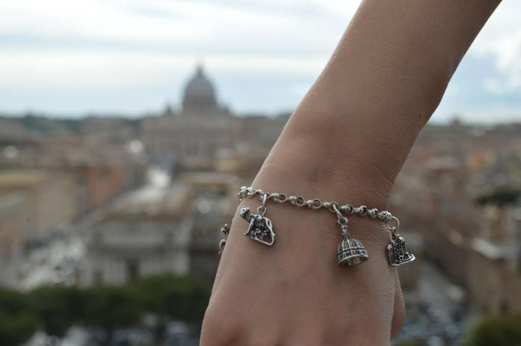 Roma Charm Bracelet with distintive elements